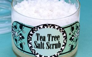 We love how the brisk scent of tea tree makes this tea tree salt scrub refreshing and invigorating. Here's a complete tutorial including a printable label!
