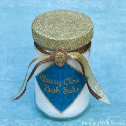 Make a spa gift with clove bath salts. The clove bath salts are easy to blend and we have a free label for you to print.