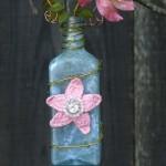 Sarsaparilla Bloom Hanging Vase