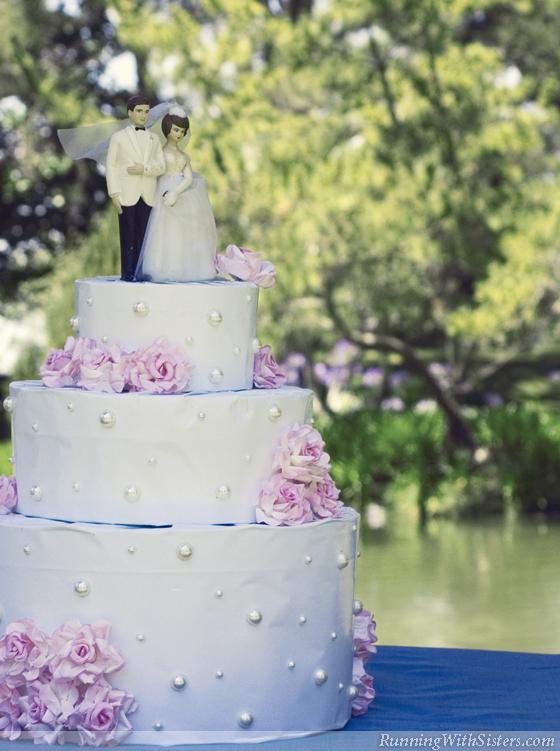 Wedding Cake Gift Wrap