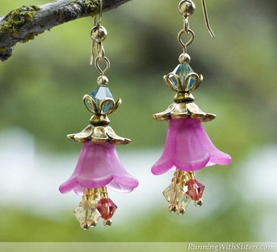 Blooming Garden Flower Earrings - Detail