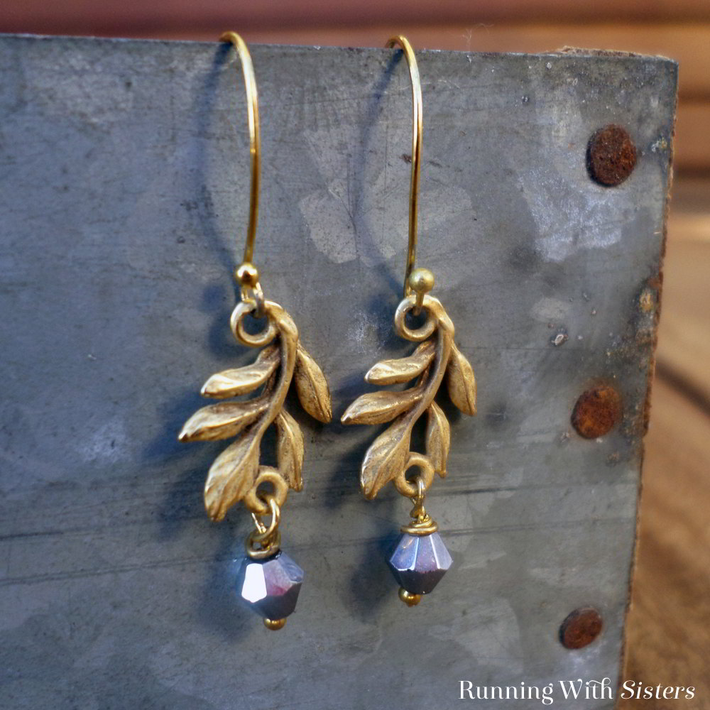 Create this pair of five minute earrings! These elegant gold earrings are fast and easy to make!