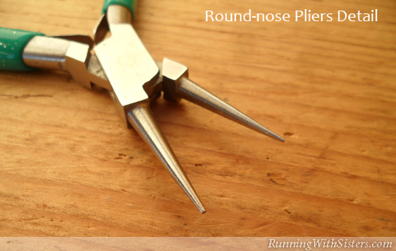 Jewelry Tools: Round Nose Pliers Detail