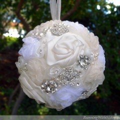www.RunningWithSisters.com Make a rhinestone and ribbon kissing ball for your wedding day!