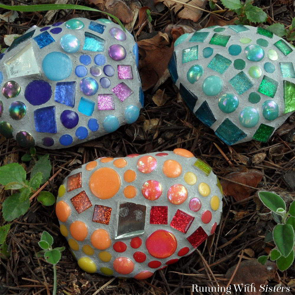 Make colorful mosaic garden rocks using a mix of tiles. We'll show you how to mix and tint the grout with a tutorial video!