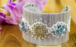 Make A Vintage Brooch Bracelet