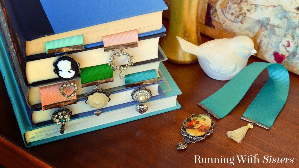 Learn to make vintage Victorian rhinestone brooch bookmarks! We'll show you how with our video tutorial and step by step instructions.