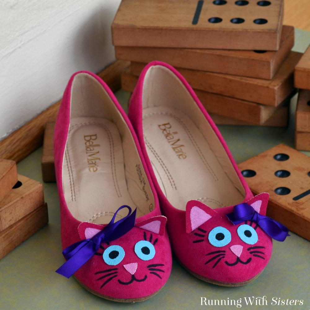 how to make super cute kitten shoes running with sisters. Black Bedroom Furniture Sets. Home Design Ideas