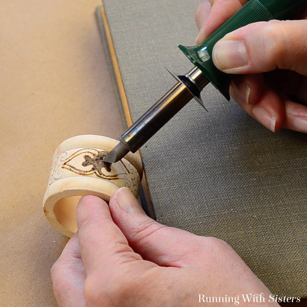 Get started in pyrography with this easy intro to wood burning tutorial. Learn to use a wood burning tools to make Boho Wood Burned Napkin Rings.