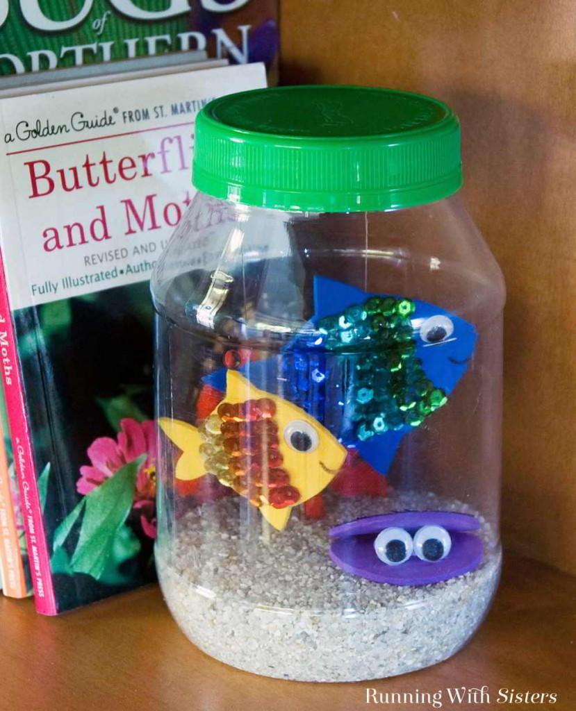 Kid Craft! Make a fun jar aquarium using craft foam, sequins, and a plastic Mayo jar. Fun to make with friends!