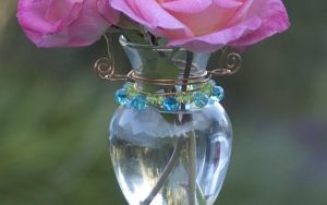 How To Make A Beaded Hanging Bud Vase