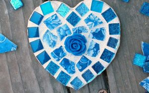 DIY Mosaic: Broken China Heart Mosaic