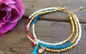 Make A Multi-Strand Friendship Bracelet