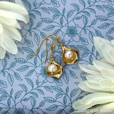 Make these pretty Calla Lily Pearl Earrings in less than ten minutes. We'll show you how with our video and step by step instructions! A lovely DIY gift!