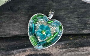 How To Make A Bead Mosaic Heart Pendant
