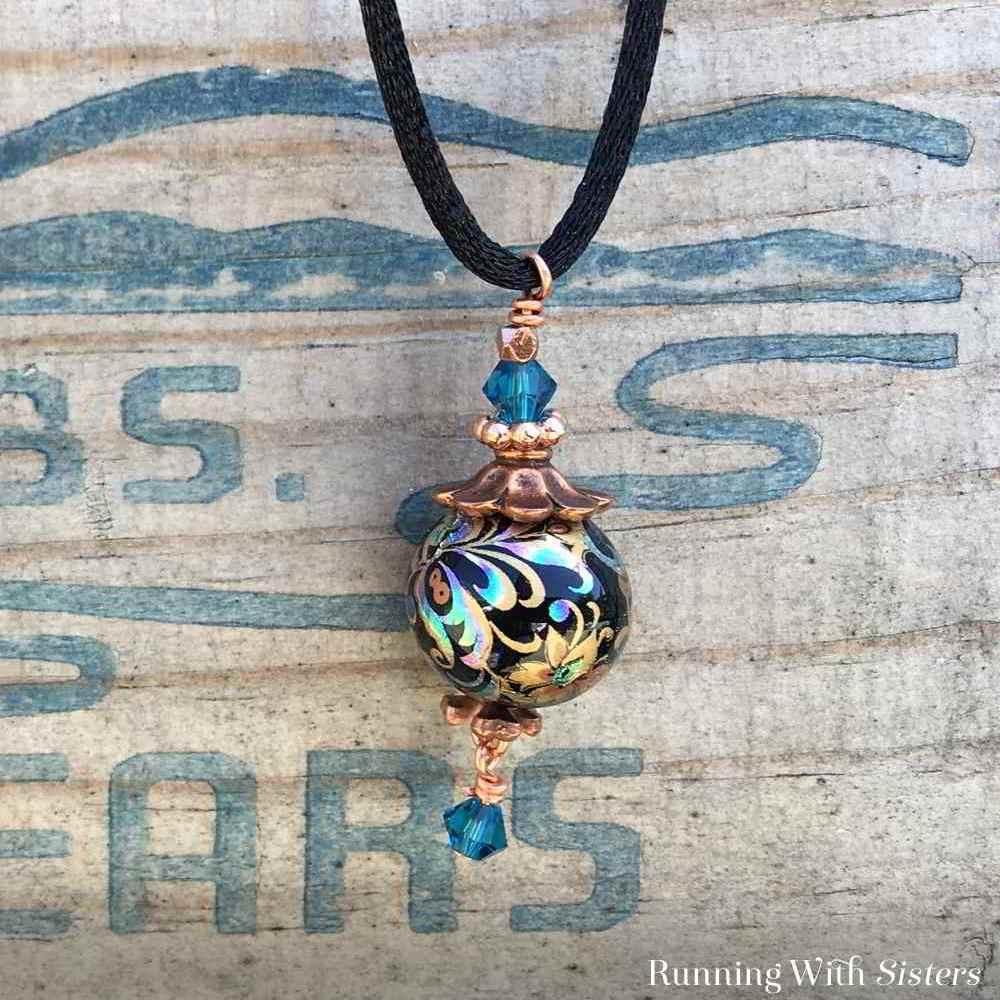 Long-Pendant-Necklace-Beauty