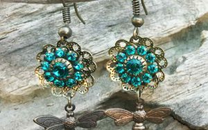 How To Make Easy Flower And Bee Earrings