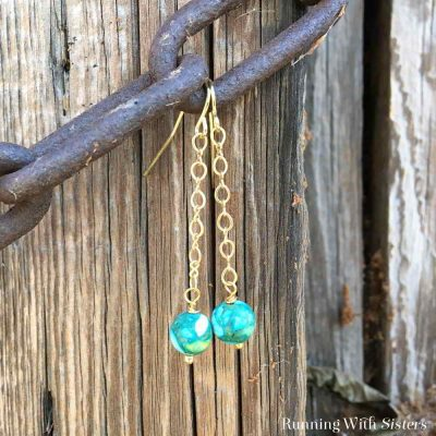 Make these Dangling Bead and Chain Earrings in a few easy steps. In this jewelry tutorial, we'll show you how to cut chain and add a bead using a headpin.